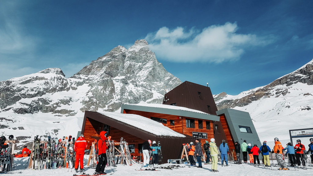 Terrasse d'altitude pour photo au ski