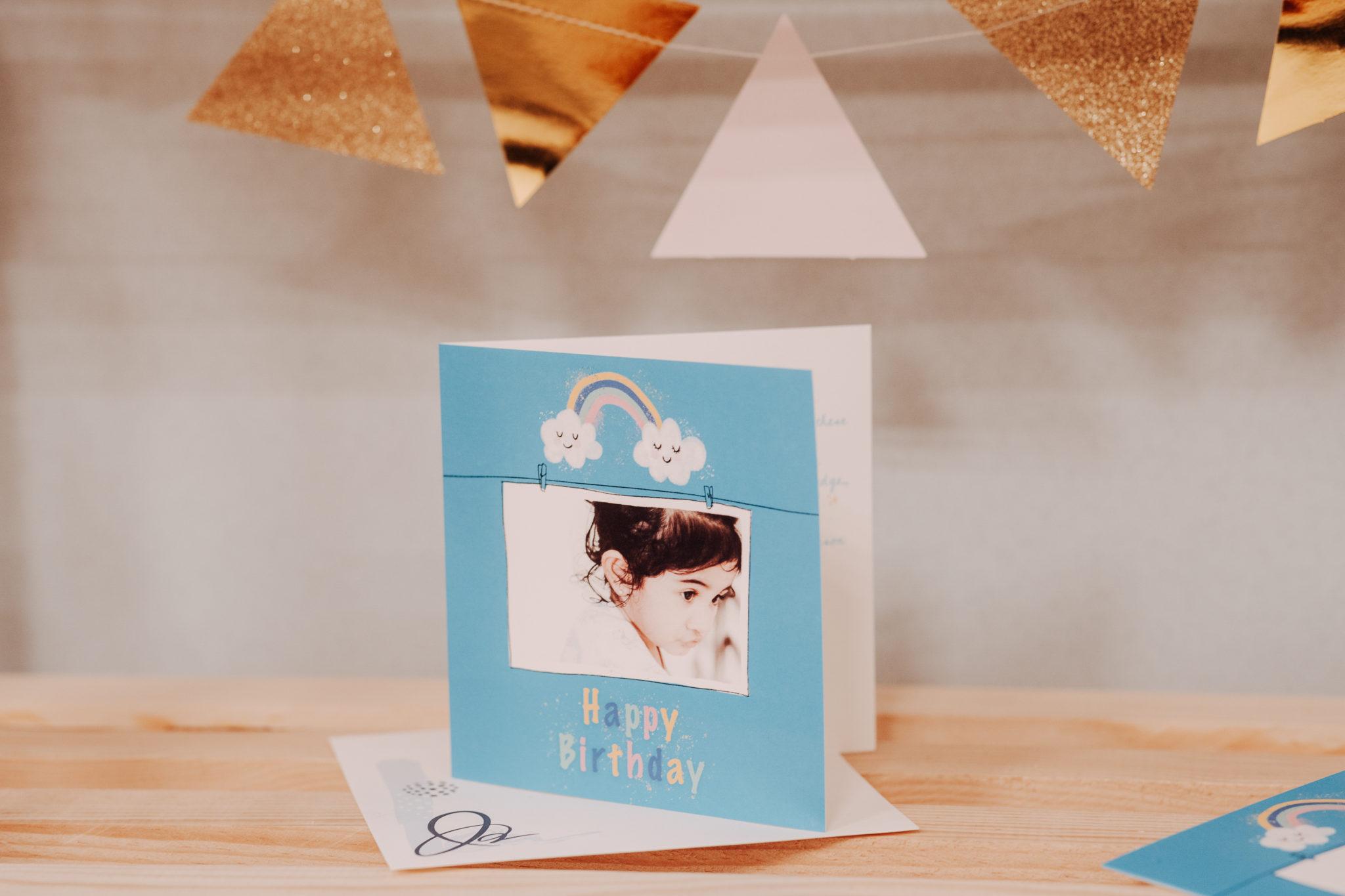 carte anniversaire enfant bleu ciel avec photo