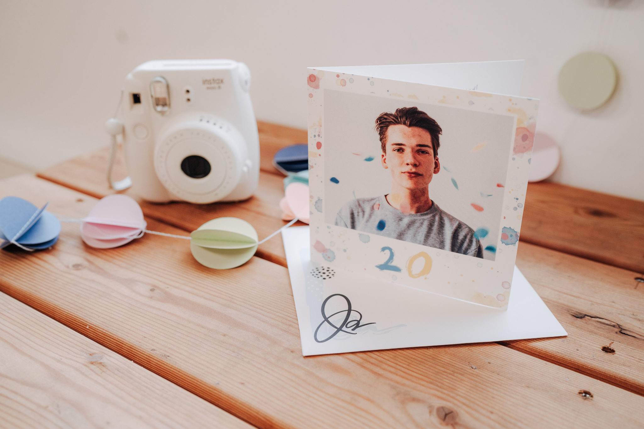 carte anniversaire coloree pour homme 20 ans