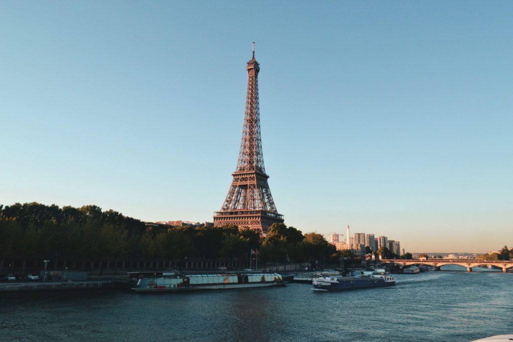 Tour Eiffel, monument emblématique de Paris