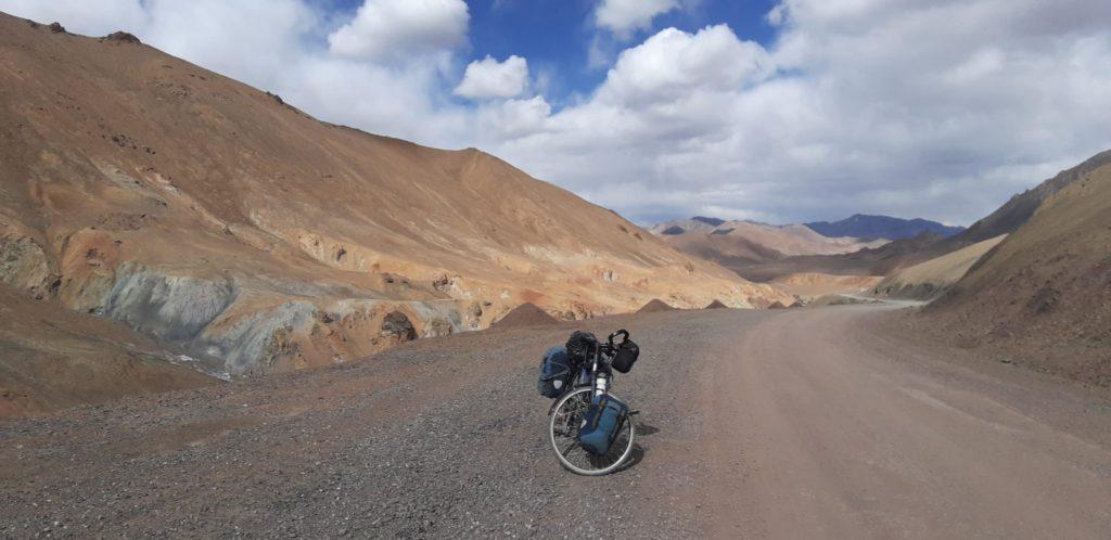 vélo dans les montagnes