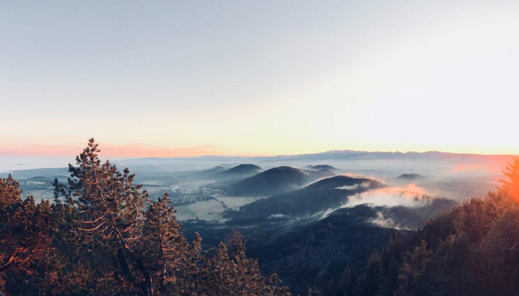 Puy de Domes volcans en Auvergne centre France