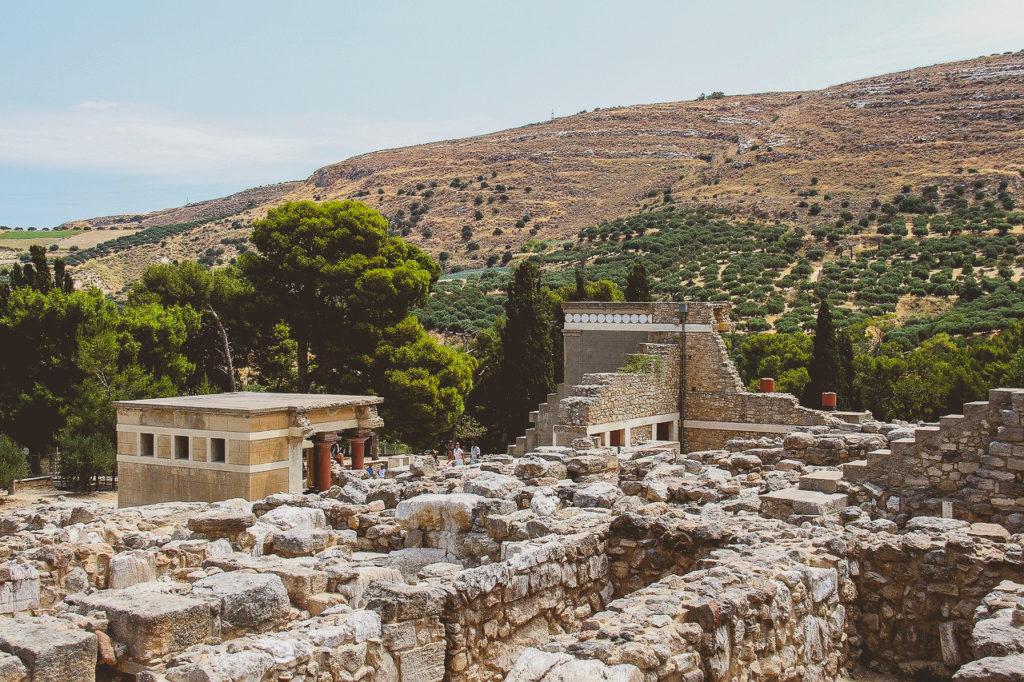 vue sur le palais de knossos ou cnossos en crete