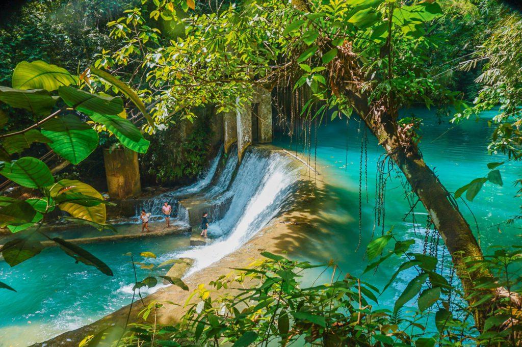 Cascade eau turquoise